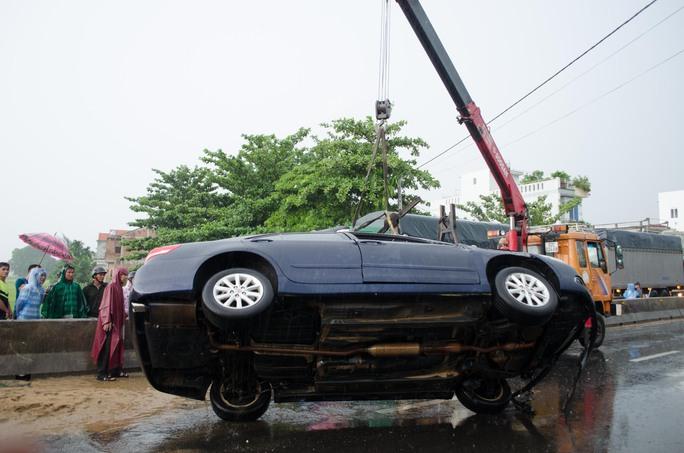 Tai nạn liên hoàn trên Quốc lộ 1, ba người nhập viện