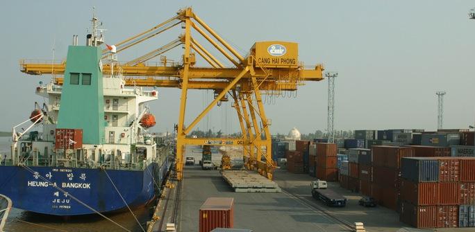 Cảng Hải Phòng đang hấp dẫn giới đầu tư Ảnh: TRỌNG ĐỨC