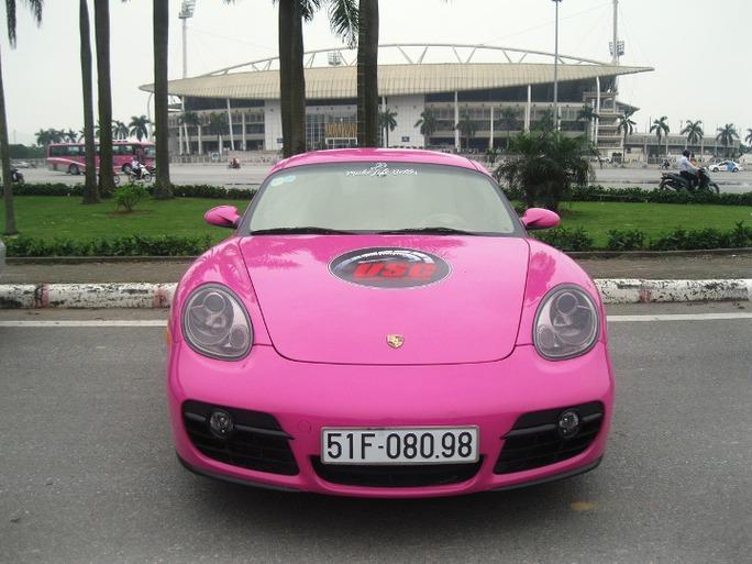 Chiếc Porsche Cayman màu hồng tím độc đáo