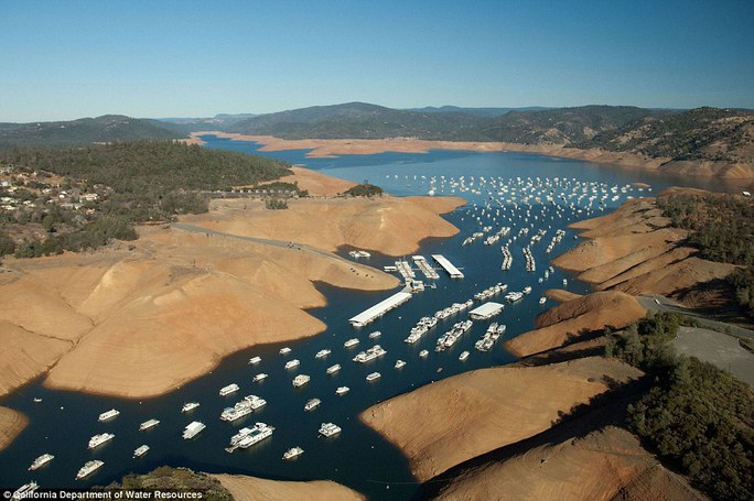 ...và năm 2014. Ảnh: California Department of Water Resources