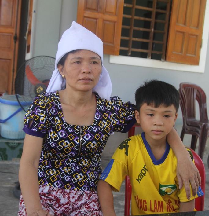 Bà Nguyễn Thị Tú vẫn chưa hết bàng hoàng trước cái chết bất ngờ của chồng