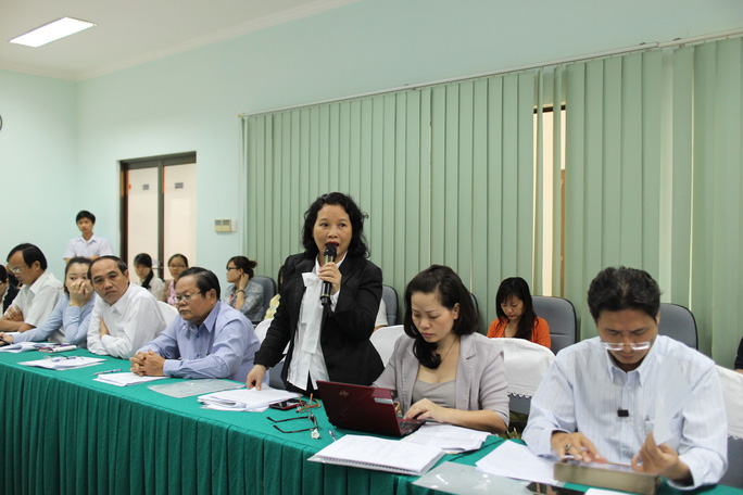 Đại biểu nêu ý kiến tại hội thảo về bộ quy tắc ứng xử đối với vấn đề quấy rối tình dục nơi làm việc