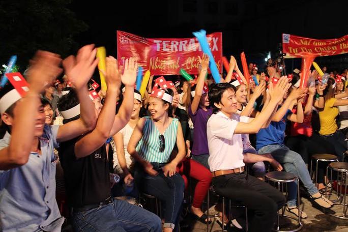 """Công nhân các KCX-KCN TP HCM hào hứng tham gia chương trình """"Giờ thứ 9"""" tổ chức tại KCN Vĩnh Lộc"""