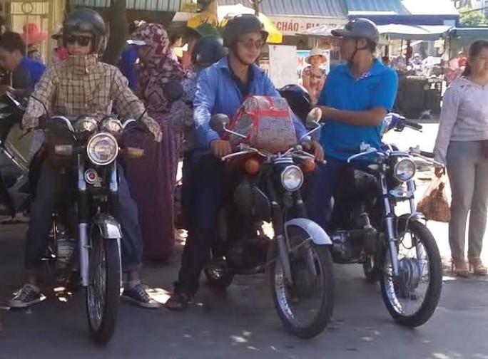 CLB xe cổ Honda Thanh Hóa nhiệt tình giúp đỡ các thí sinh trong kỳ thi THPT Quốc gia tại Thanh Hóa