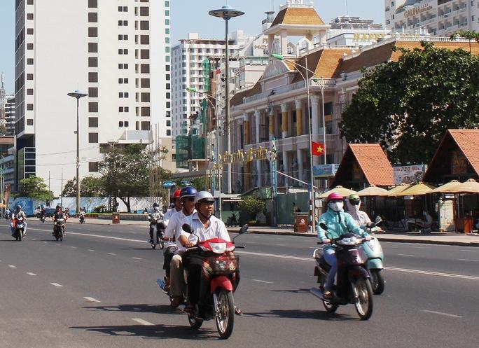 Người dân Khánh Hòa sẽ không phải đóng phí bảo trì đường bộ đối với xe máy Ảnh: Kỳ Nam