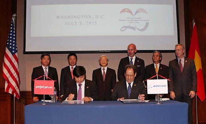 Tổng Bí thư Nguyễn Phú Trọng chứng kiến lễ ký của Vietjet với Boeing tại Washington.D.C vào chiều 8-7 giờ địa phương, tức sáng 9-7 theo giờ Việt Nam