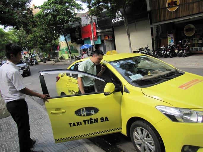 Taxi Tiên Sa đón khách tại nhà hàng Ecstasy, TP Đà Nẵng
