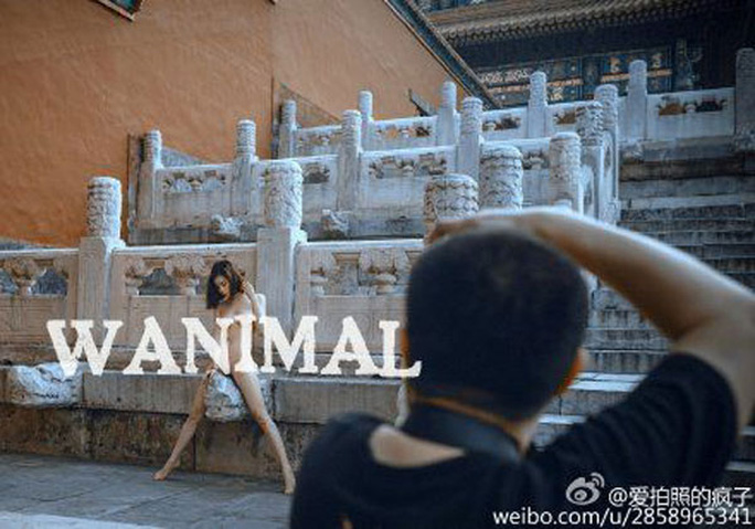 Nhiếp ảnh gia bộ ảnh bị chỉ trích dữ dội. Ảnh: Weibo