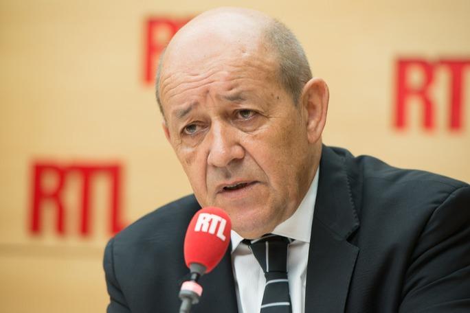 Bộ trưởng Quốc phòng Pháp Jean-Yves Le Drian  cho biết nhiều nước ngỏ ý muốn mua tàu Mistral. Ảnh: RTL