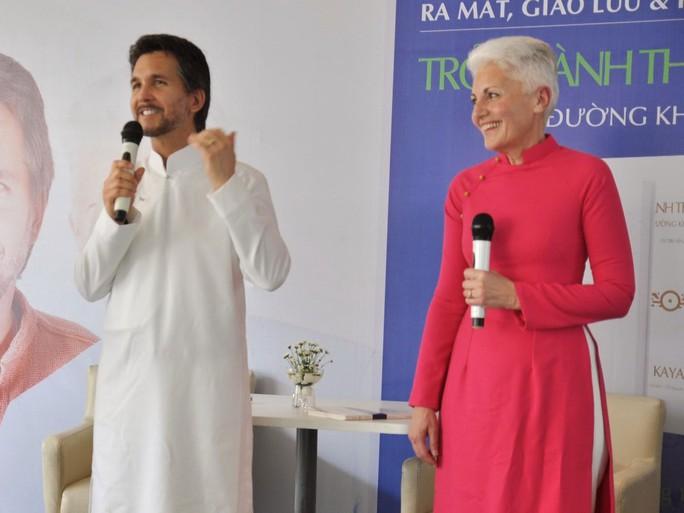 Kaya và Christiane giao lưu với công chúng tại TP HCM   (Ảnh do Phuong Nam Book cung cấp)