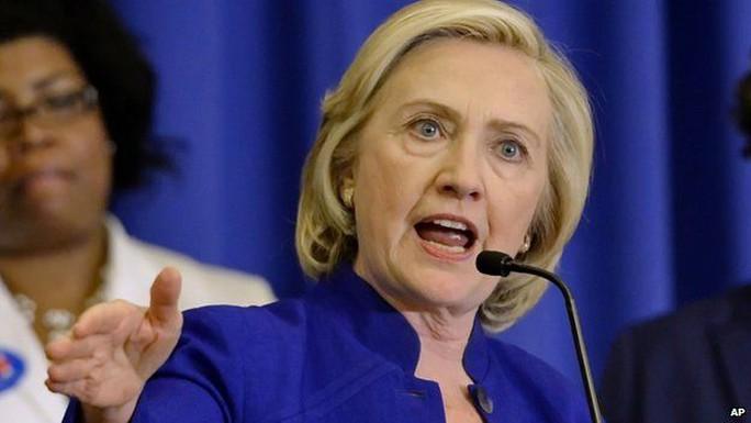 Bà Hillary Clinton đã có bài diễn văn đầu tiên trong chiến dịch vận động tranh cử của mình diễn ra tại Đảo Roosevelt