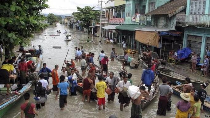 Mưa lớn gây lũ lụt
