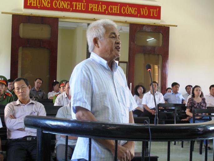 Bị cáo Nguyễn Minh phủ nhận Công ty Đại Lộc là sân sau và việc mua bán vải khống