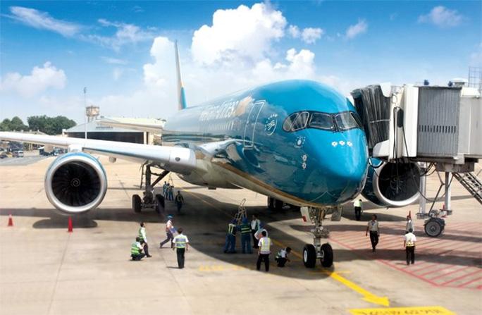May bay A350 của Vietnam Airlines tại sân bay Tân Sơn Nhất - Ảnh: Doanh nhân Sài Gòn