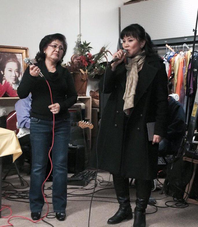 NSƯT Thanh Thanh Tâm xúc động trong sinh nhật xa quê