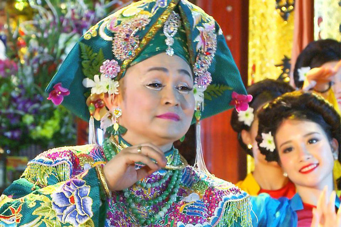 NSƯT Xuân Hinh trong DVD Văn ca Thánh Mẫu