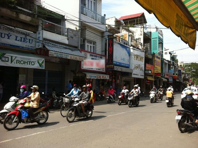 Khu vực đường Nguyễn Thị Tần, nơi nhóm dàn cảnh cướp tiền của anh K. nhưng không thành.