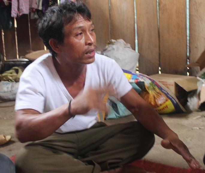 Ông Viêng  Văn Độ, trưởng bản Phồng không tin Hai là hung thủ gây ra vụ sát hại.
