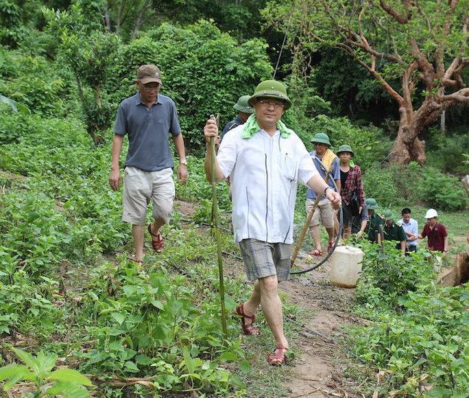 Đại tá Nguyễn Hữu Cầu có mặt tại hiện trường chỉ đạo điều tra phá an.