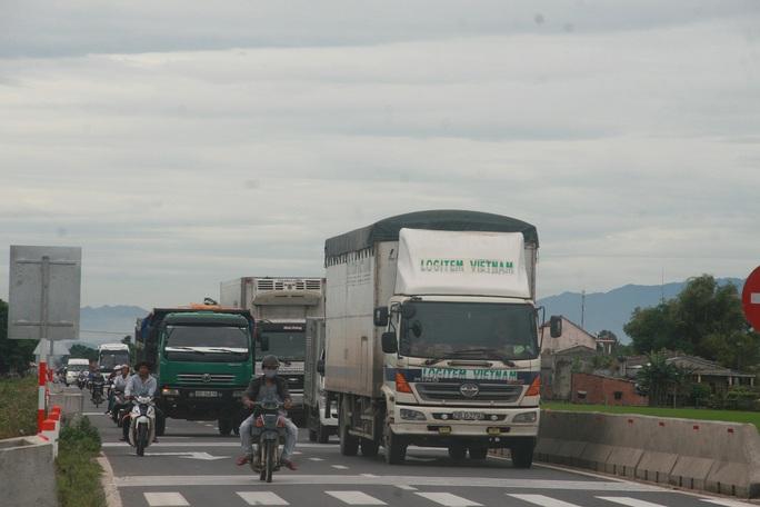 Quốc lộ 1 qua tỉnh Quảng Nam mở rộng nhưng chưa rộng nên nguy cơ tai nạn luôn tiềm ẩn