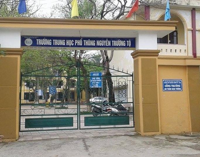 Trường Nguyễn Trường Tộ, TP.Vinh nơi nam sinh T và nữ sinh D đang học.