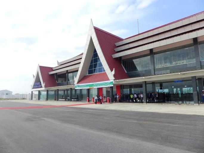 Chủ tịch nước khai trương sân bay tại Lào do bầu Đức tài trợ