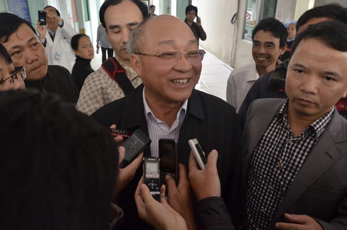 Ông Nguyễn Quốc Triệu vui mừng vì ông Thanh vẫn tỉnh táo sau chuyến bay dài