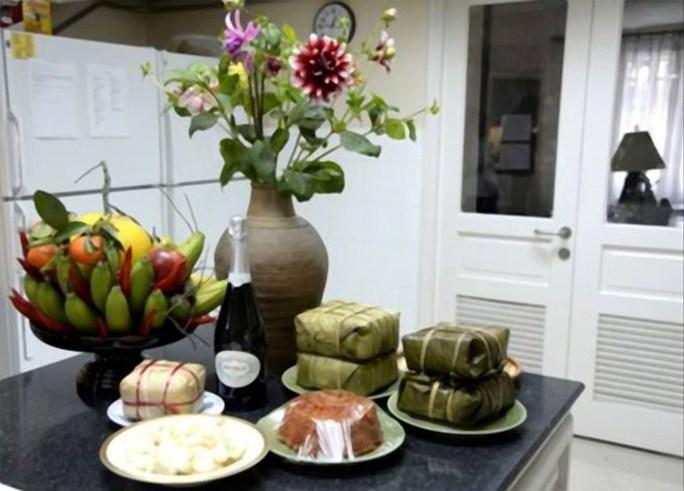 Trong gian bếp của nhà Đại sứ đã ngập tràn hương vị Tết Việt