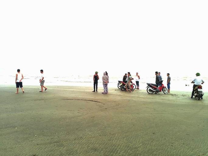 Bãi biển Diễn Thành nơi hai chị em Thắm và Duyên bị đuối nước.