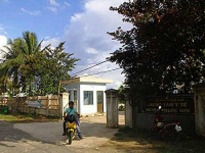 Trung tâm Y tế huyện Phước Sơn, nơi đang điều trị cho các trường hợp mắc chứng đau ở cổ