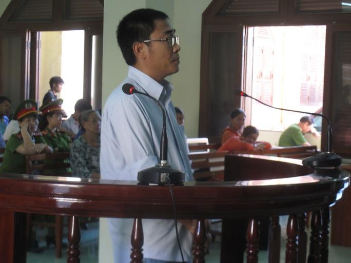 Ảnh: Bị cáo Phạm Ngọc Mẫn đang bị xét hỏi