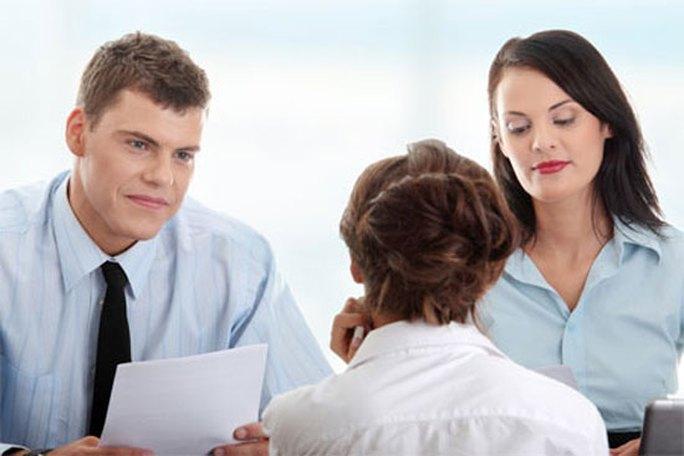 Ứng viên nên chấp nhận va chạm sớm bằng cách xin thực tập ở các công ty - Ảnh minh họa: internet