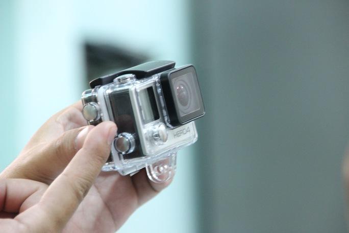 Bộ thiết bị camera hành trình đang được CSGT quận 1 sử dụng.