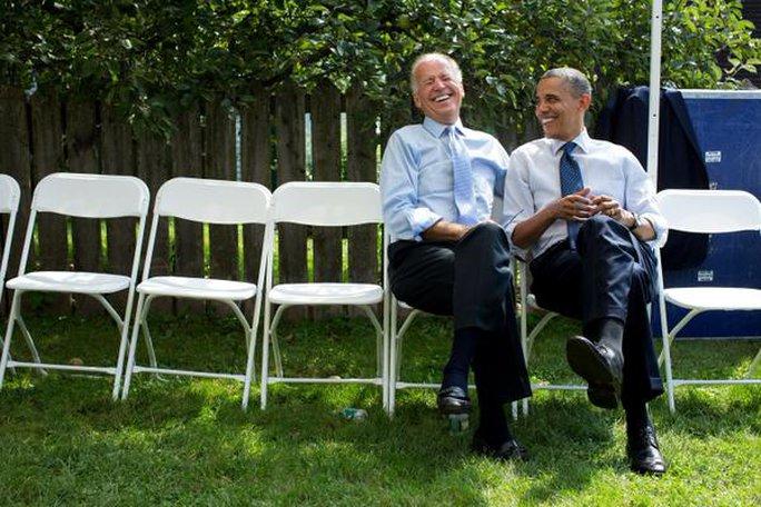 Phó Tổng thống Joe Biden (trái) là một trong những người chào đón ông Obama gia nhập mạng xã hội Twitter. Ảnh: Twitter