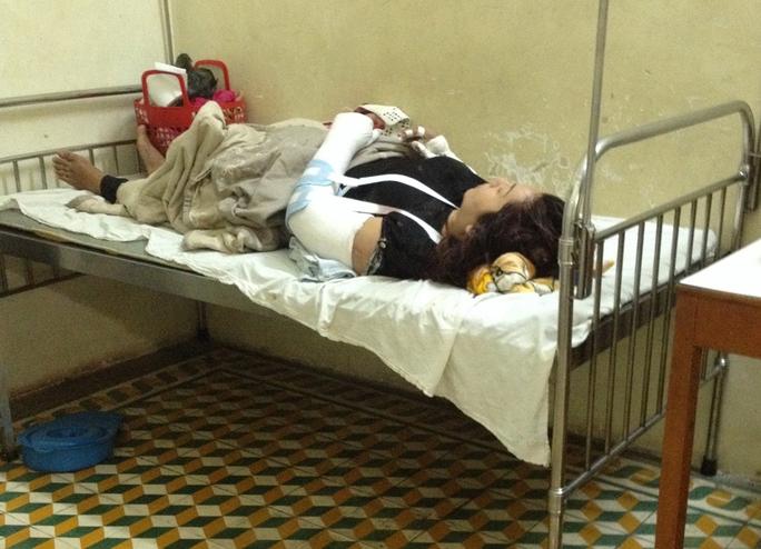 Bà Thu đang nằm điều trị tại bệnh viện