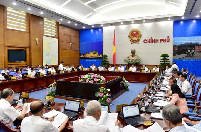 Chính phủ sẽ xem xét, quyết định việc điều chỉnh mức lương tối thiểu vùng năm 2016