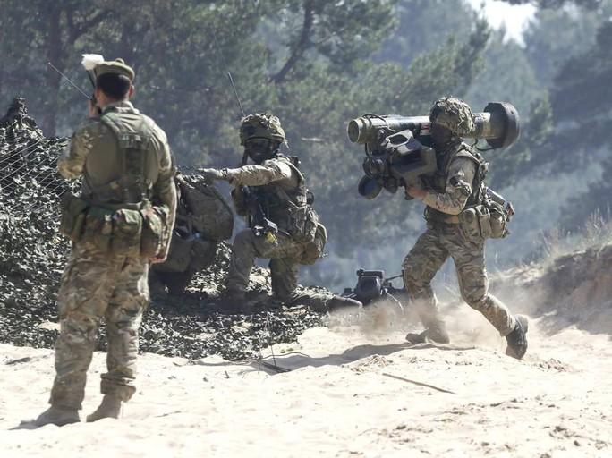 Một cuộc tập trận của NATO ở Latvia hồi tháng 6-2015 Ảnh: Reuters