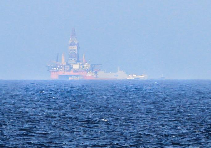 Giàn khoan Hải Dương 981 từng vào vùng biển Hoàng Sa vào tháng 5-2014 Ảnh: HOÀNG DŨNG
