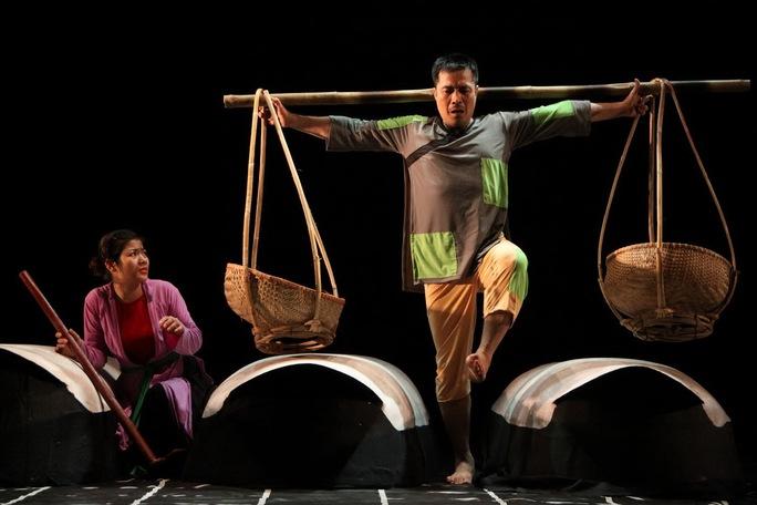"""Vở """"Hồn Trương Ba, da hàng thịt"""" của Nhà hát Tuổi trẻ dưới bàn tay dàn dựng của NSND Lan Hương (Ảnh do nhà hát cung cấp)"""