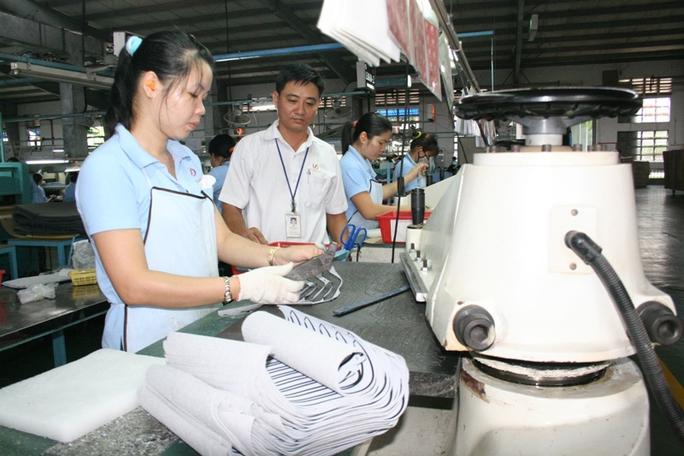 Gộp sổ BHXH là việc làm cần thiết nhằm bảo đảm quyền lợi của người lao động khi giải quyết chế độ BHXH Ảnh: KHÁNH AN