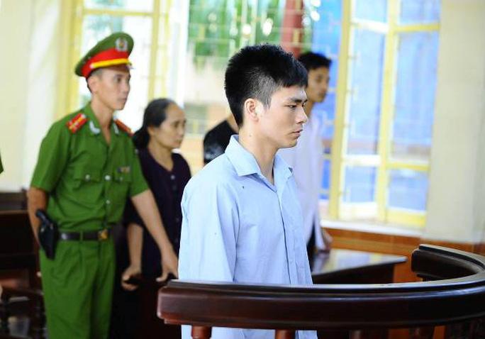 Lý Nguyễn Chung nghe tòa tuyên án