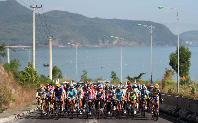 Đoàn đua rời địa phận Nha Trang