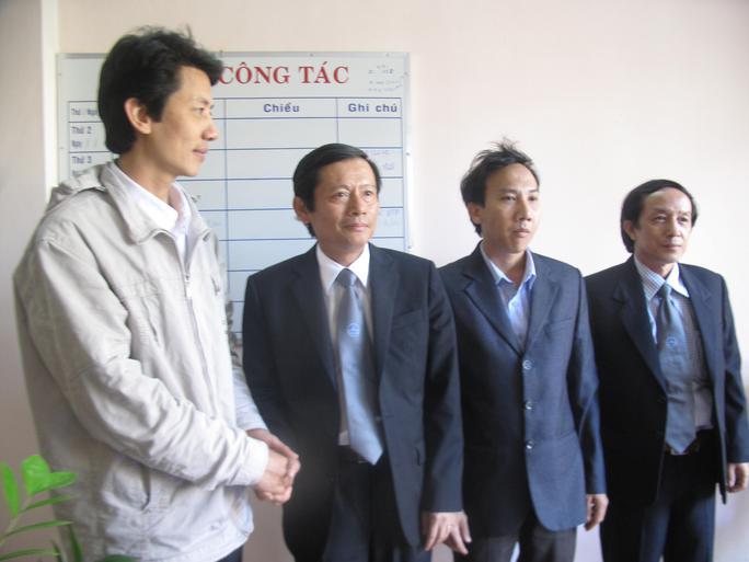 Những hình ảnh thân mật của đoàn công tác Liên đoàn Luật sư Việt Nam với LS Võ An Đôn (đầu tiên bên trái)