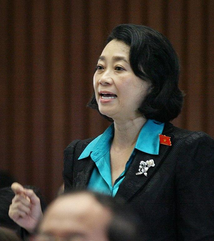 Bà Đặng Thị Hoàng Yến (đoàn Long An) đã bị bãi nhiệm tư cách đại biểu QH trước đó
