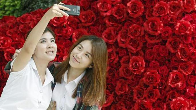 Chính phủ Bangkok kêu gọi giới trẻ kiêng sex dịp lễ tình nhân. Ảnh: EPA