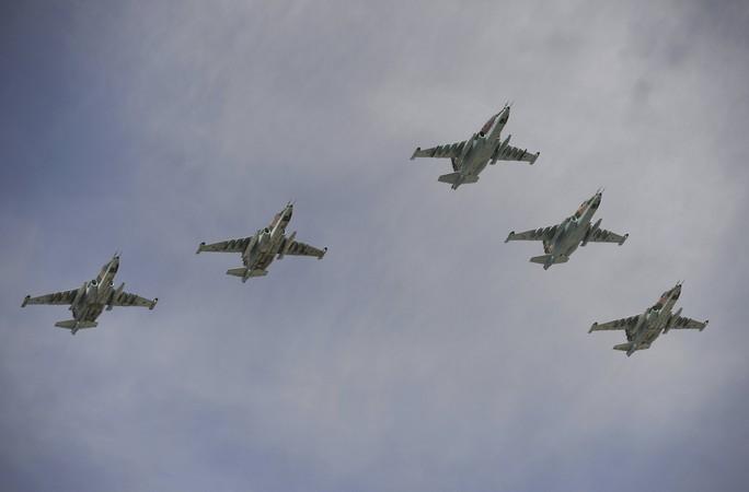 Sukhoi Su-25SM tại Lễ diễu binh. Ảnh: Reuters