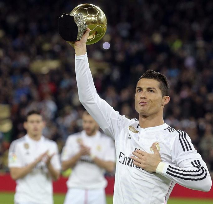 Hai hình ảnh trái ngược của Ronaldo trước và sau trận