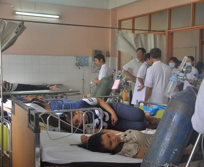 Hàng chục công nhân nhập viện nghi ngửi phải khí lạ