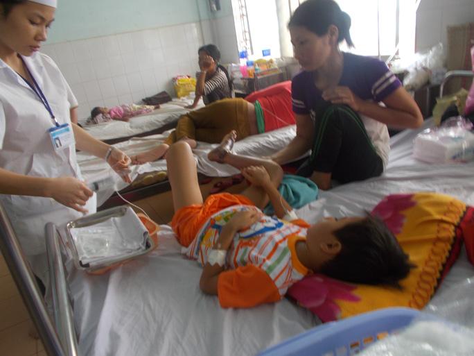 Em Thắng đang được cấp cứu tại Bệnh viện Đa khoa tỉnh Gia Lai