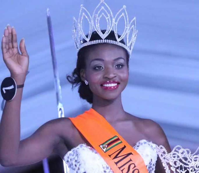 Emily Kachote – Hoa hậu thế giới Zimbawe 2015 bị truất ngôi